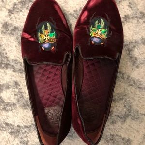 Size 10.5 Tory Burch beetle velvet smoking loafers
